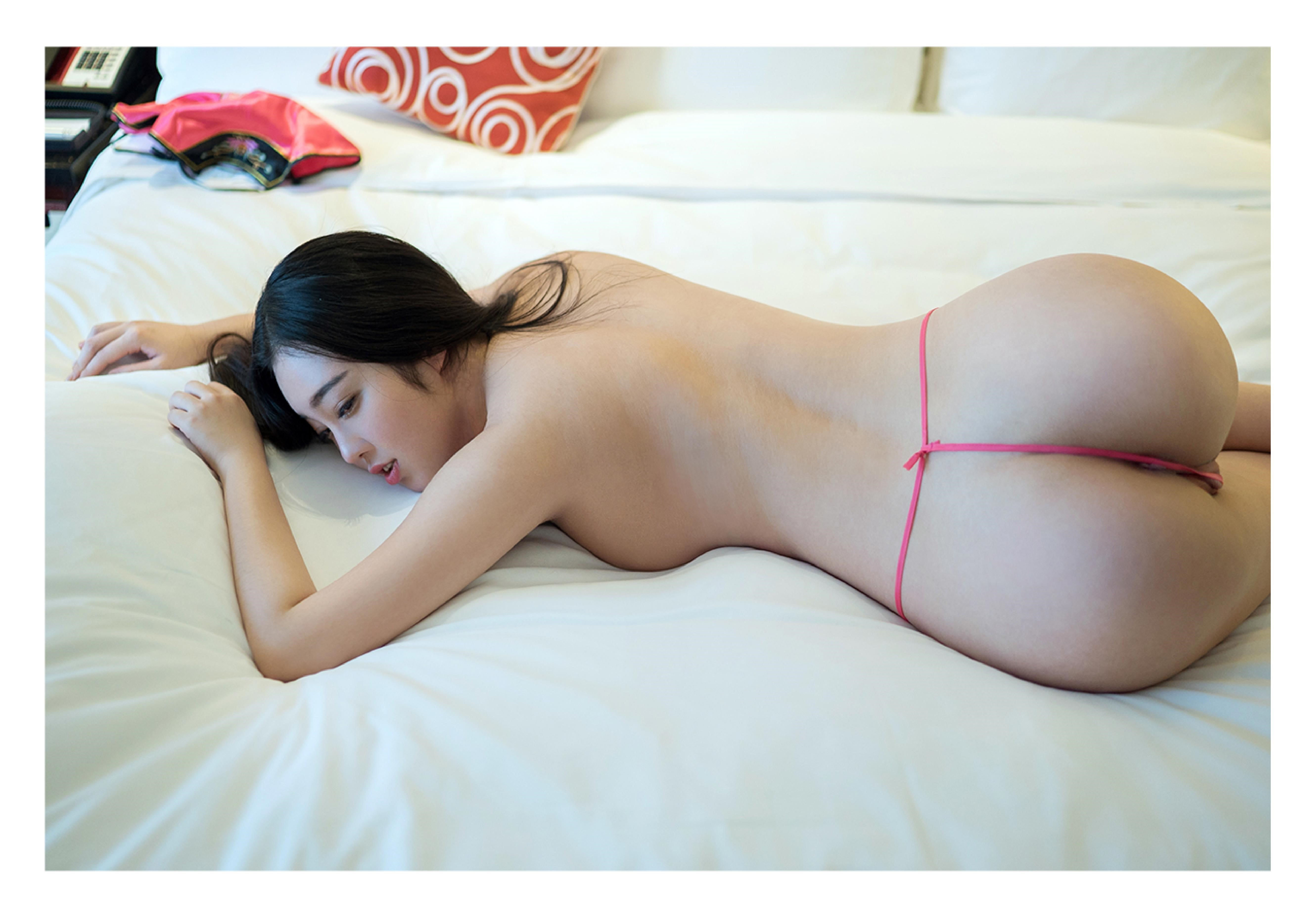 Sexy ass nude chinese mature